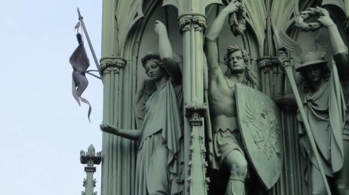 kreuzberg-schinkel-monument-statues-berlin