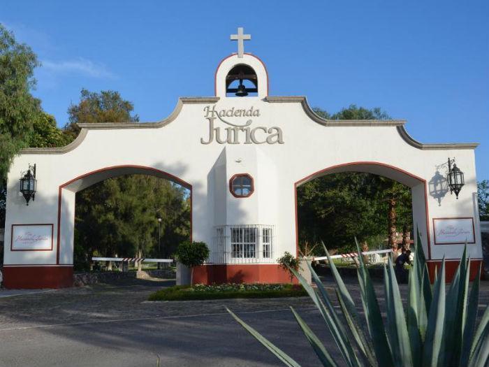 galeria-Vista-Principal-del-Hotel-Hacienda-Jurica-Queretaro-1439392300