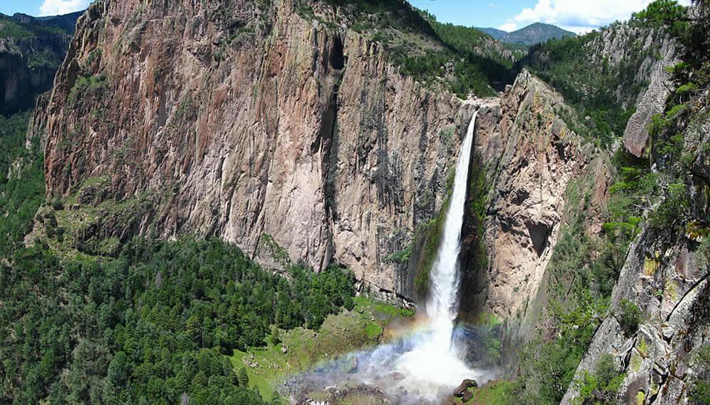 Cascada-de-Basaseachi-en-Chihuahua